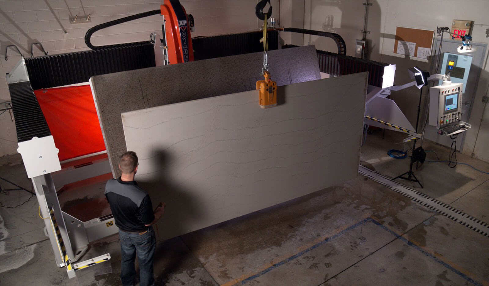Tilt Table Slab Loading | VOYAGER XP 5-Axis CNC Saw for Stone Cutting